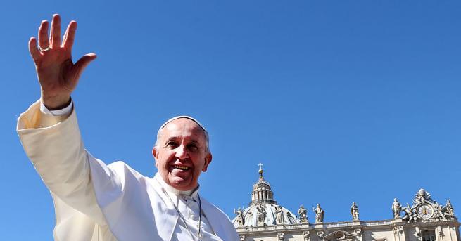 Папа Франциск даде обяд за 1500 бедни и нуждаещи се
