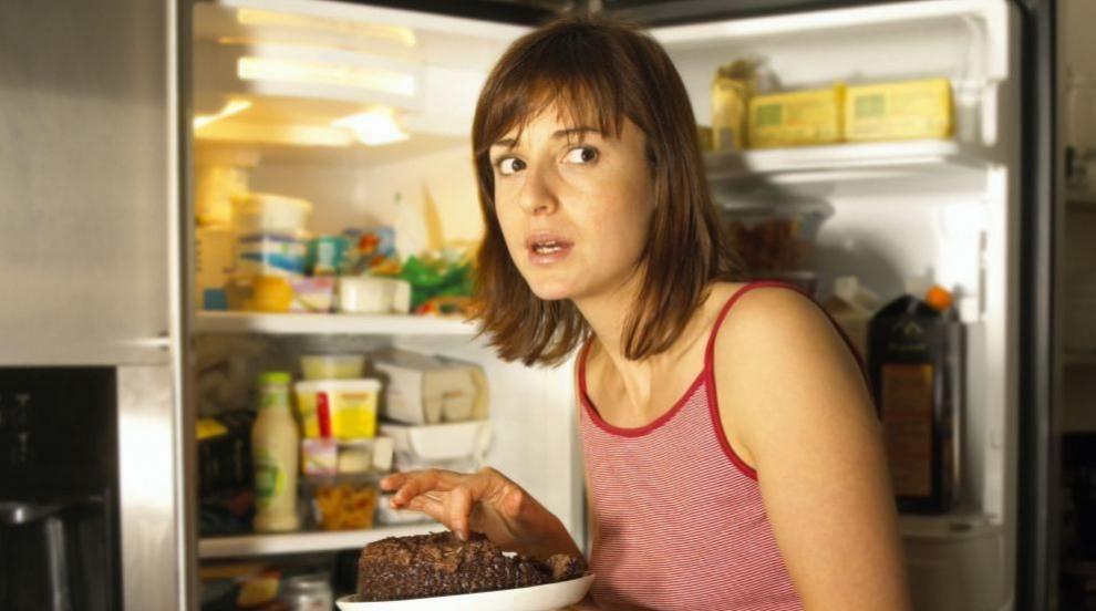9 храни, които можем да похапваме късно вечер (ВИДЕО)