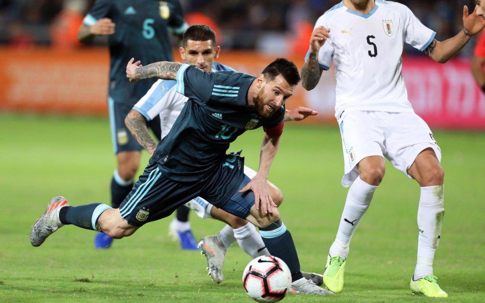 Лео Меси спаси Аржентина от загуба срещу Уругвай в контрола,