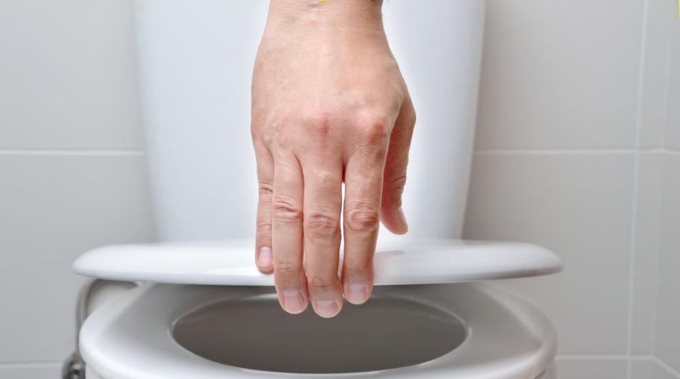Търговци подвеждат клиенти, предлагат тоалетна и душ...