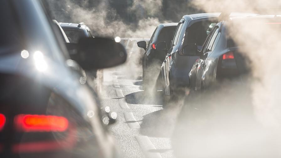 <p>Емисиите СО2 са големият проблем на компаниите</p>