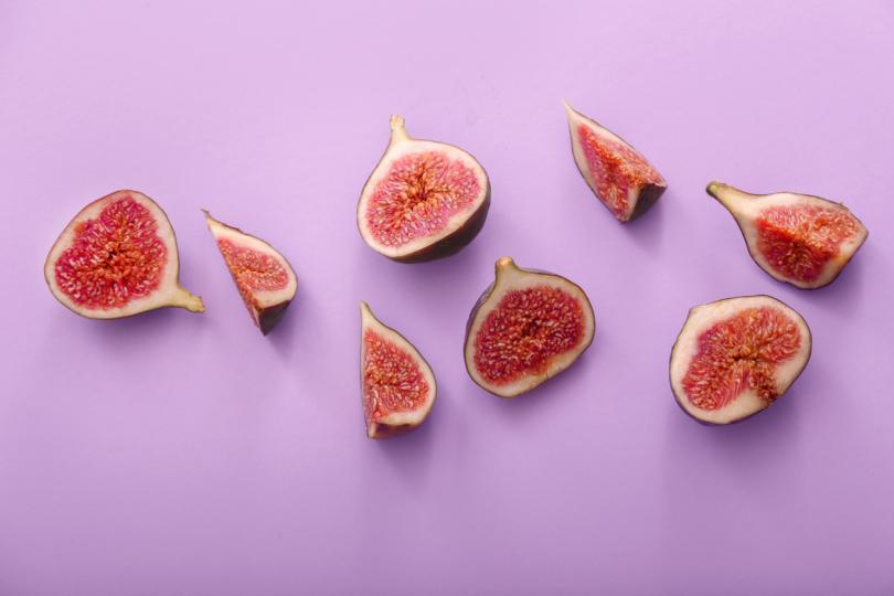 <p>За смокинята се говори още от древни времена. Някои вярват, че забраненият плод на Ева не е бил ябълка, а смокиня. Други, че това е бил любимият плод на&nbsp;Клеопатра.</p>