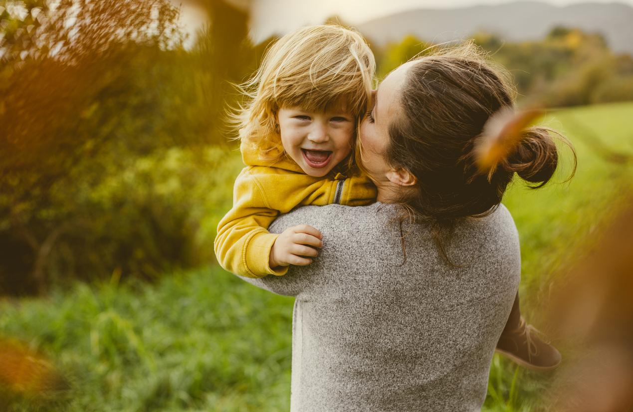 <p><strong>Усмихвайте се всеки ден</strong></p>  <p>&bdquo;Денят без усмивка, е изгубен ден&rdquo;, е казал Чарли Чаплин. Децата намират повод за забавление във всяка една ситуация, независимо дали са в училище, на площадката за игра или в търговския център. Усмивката е тяхната натурална батерия.</p>