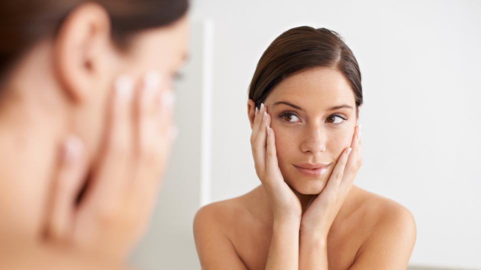 жена красота огледало
