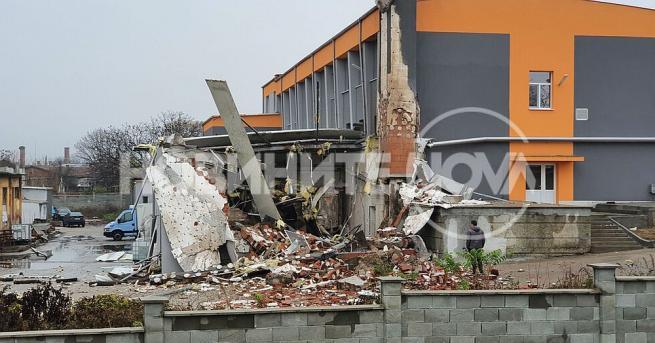 Парен котел на фирма се взриви в Харманли, съобщиха от