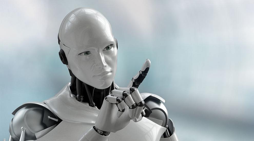 Роботи поднасят питиета в ресторант в Нидерландия...