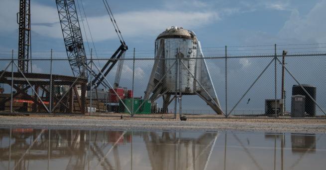 Първият пълномащабен прототип на космическия кораб Starship Mark 1 (