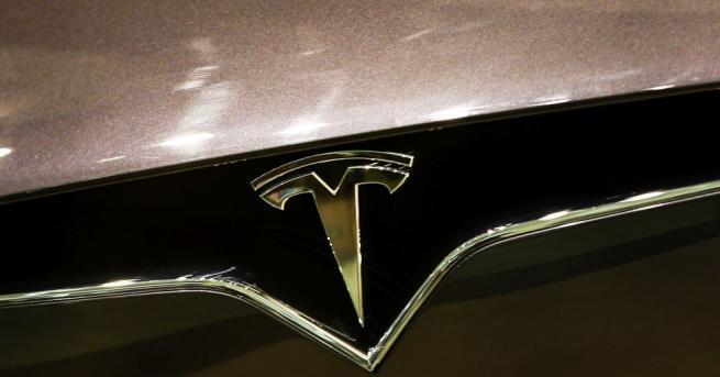 """Американската компания """"Тесла"""" (Tesla), специализирана в производството на електрически автомобили,"""