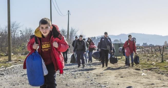 Гърция заяви в петък, че е разположила повече граничари, за
