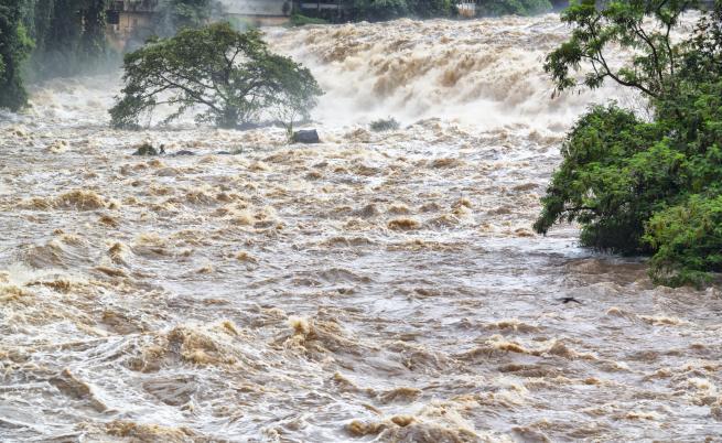 Исторически наводнения във Франция, двама загинаха