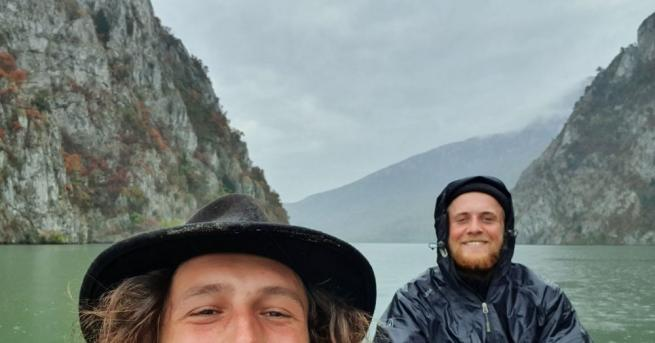 С поход с кану от над 2500 километра по Дунав,
