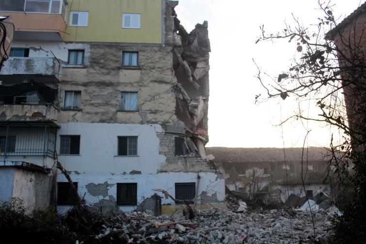албания земетресение