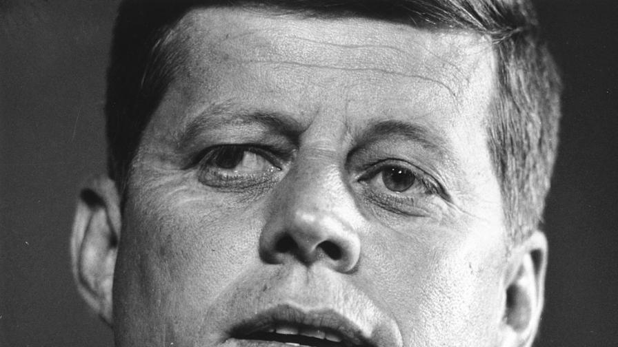 <p><strong>Тъмното лице на Кенеди</strong> &ndash; мафията, изневерите, лъжите</p>