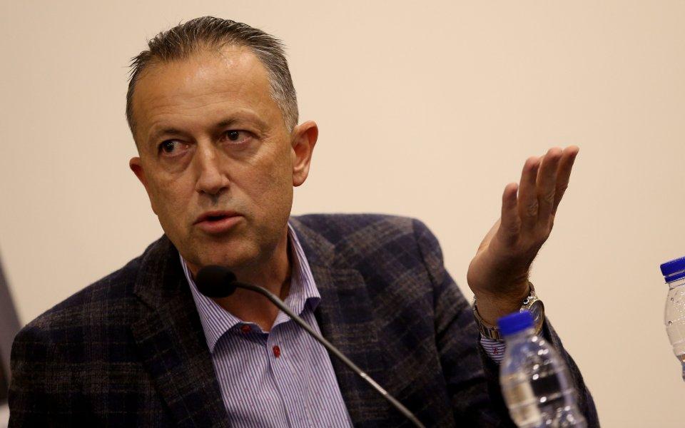 Членът на Изпълнителният комитет към БФС Атанас Фурнаджиев обясни защо