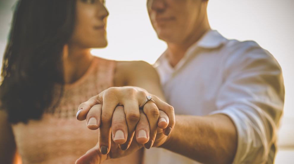 Находчив кмет предлага премия на ергените, които се оженят до 8 март