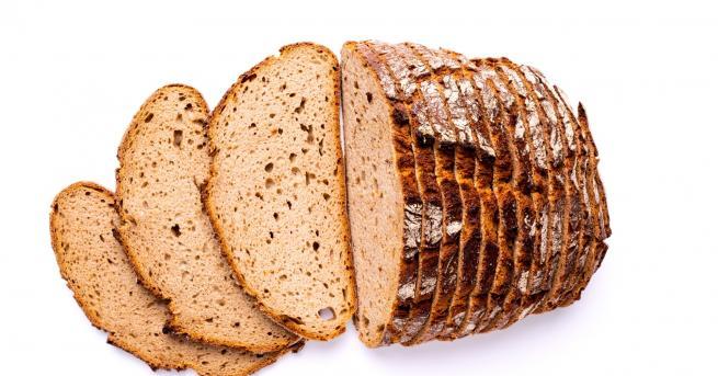 България Купуваш си хляб, получаваш бонус – картон Скандалната изненада