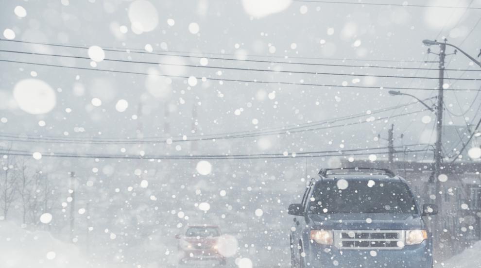 Снежната буря застигна източната част на САЩ (СНИМКИ/ВИДЕО)