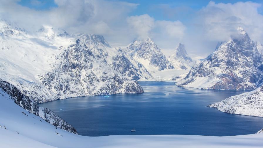 <p>Езеро се<strong> изпразни за няколко часа</strong> в Гренландия</p>