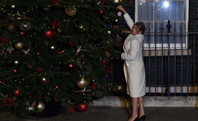 Деси Радева с патриотичен жест в Лондон