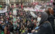 800 000 протестираха срещу пенсионната реформа на Макрон