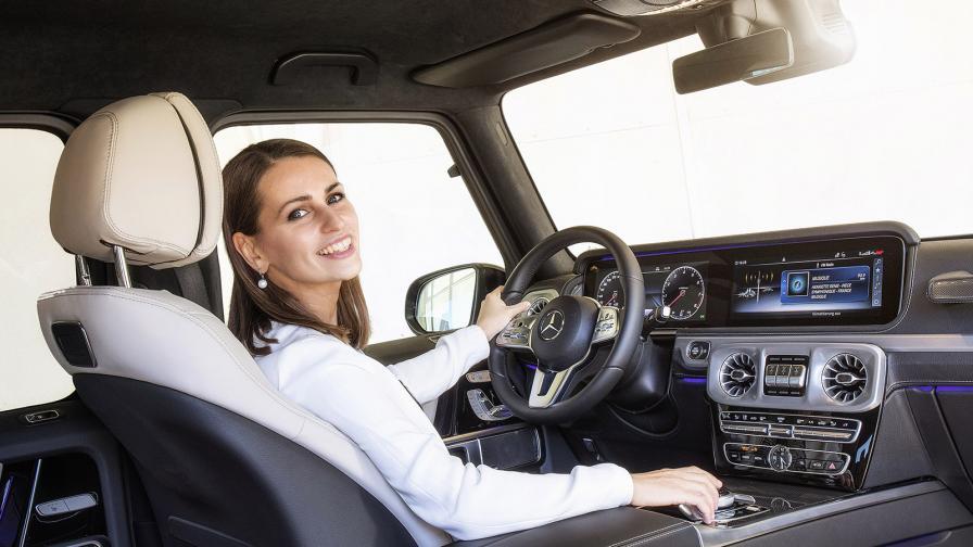 <p>Българката, която направи интериора на най-мъжкия Mercedes</p>