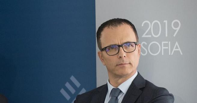 Българската банка за развитие работипо правилата на търговските банки и