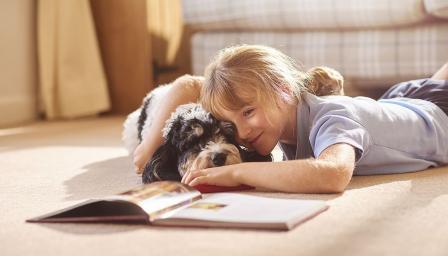 Децата четат повече, ако в стаята има... куче