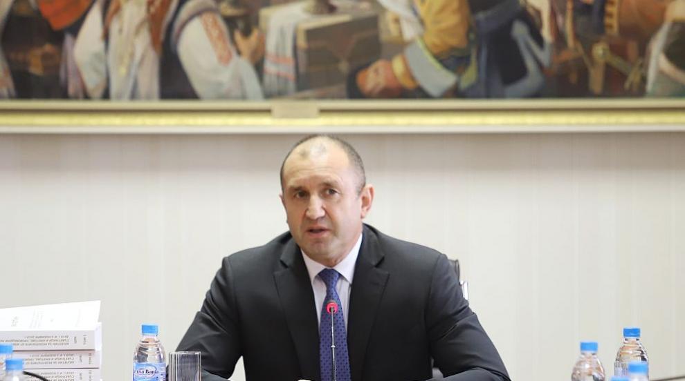 Радев: Идеални избори няма, спасението е в машинния вот