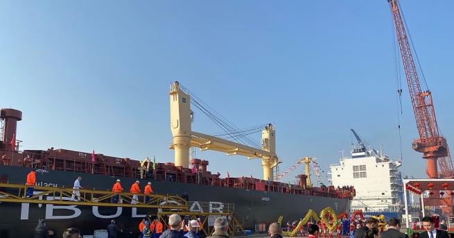 """Трети 45 500-тонен моторен кораб, поръчан от """"Параходство БМФ"""" АД,"""