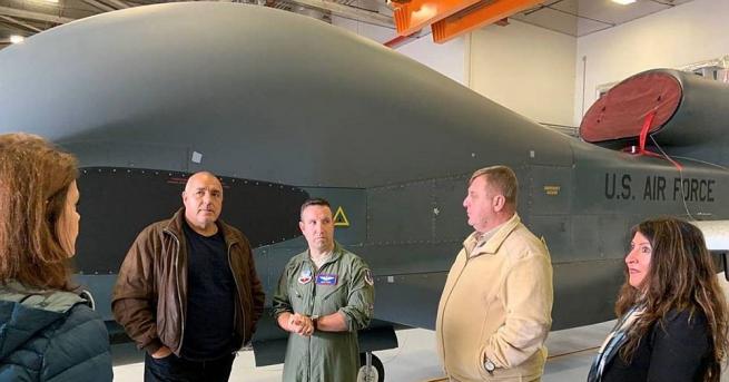 Националната сигурност и отбрана на България са гарантирани само в