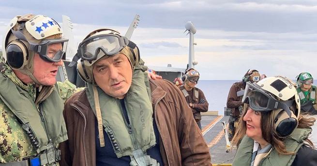 "Снимка: Борисов, Херо Мустафа и Заев заедно на самолетоносача ""Хари Труман"