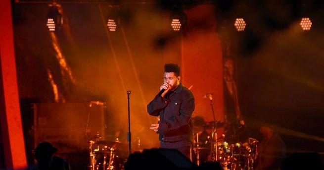 Канадският певец Уикенд оглави за четвърти път в кариерата си