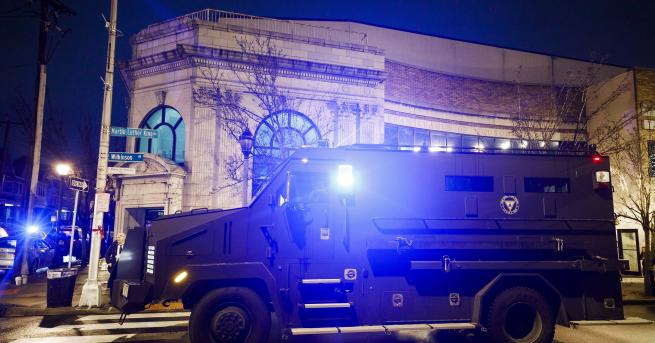 Свят Редица убити в продължила часове престрелка в Ню Йорк