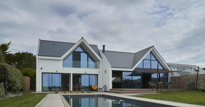 За дома Български дизайнери преобразиха къща във Франция Отвеждаме ви