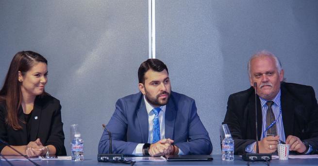 Заместник-министърът на външните работи Георг Георгиев се срещна с българските