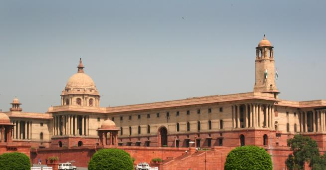 Индийските депутати приеха закон за даване на гражданство на немюсюлмани,