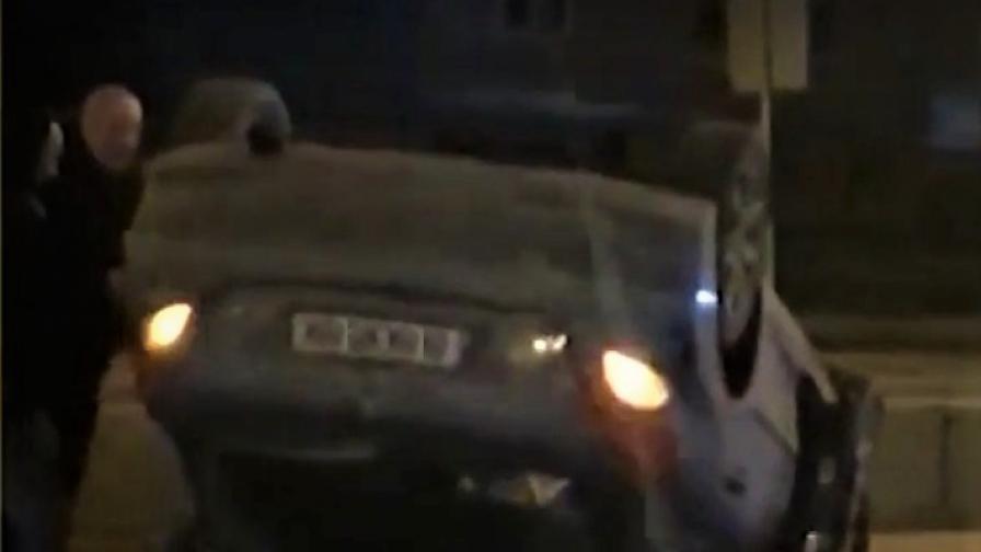 Коли в София се обръщат по таван заради опасни маркировка и мантинела