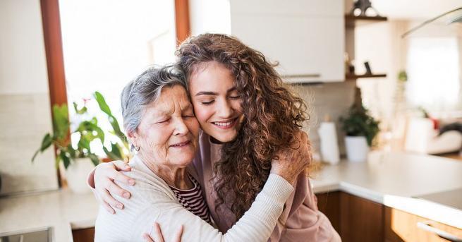 Бабата на всяко едно момиче е изключително важна личност в