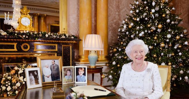 Коледа 8 коледни традиции, които кралица Елизабет II спазва Какво
