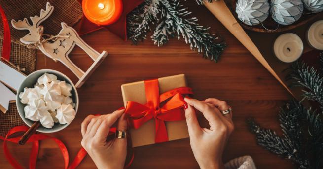 Коледа 3 идеи за креативни и евтини коледни подаръци Влогърката