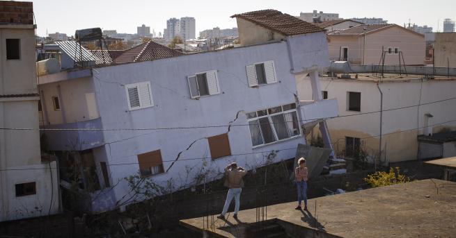 Свят Още едно земетресение в Албания Девет души са арестувани