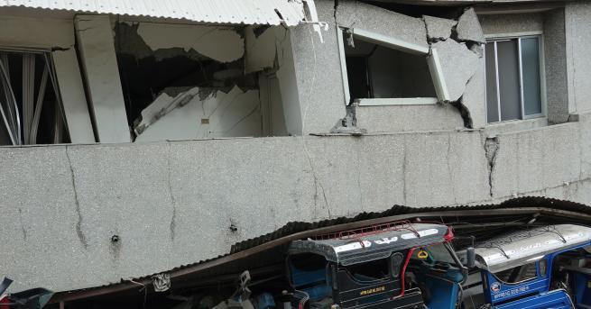Свят Четири жертви, сред които дете, на земетресение във Филипините