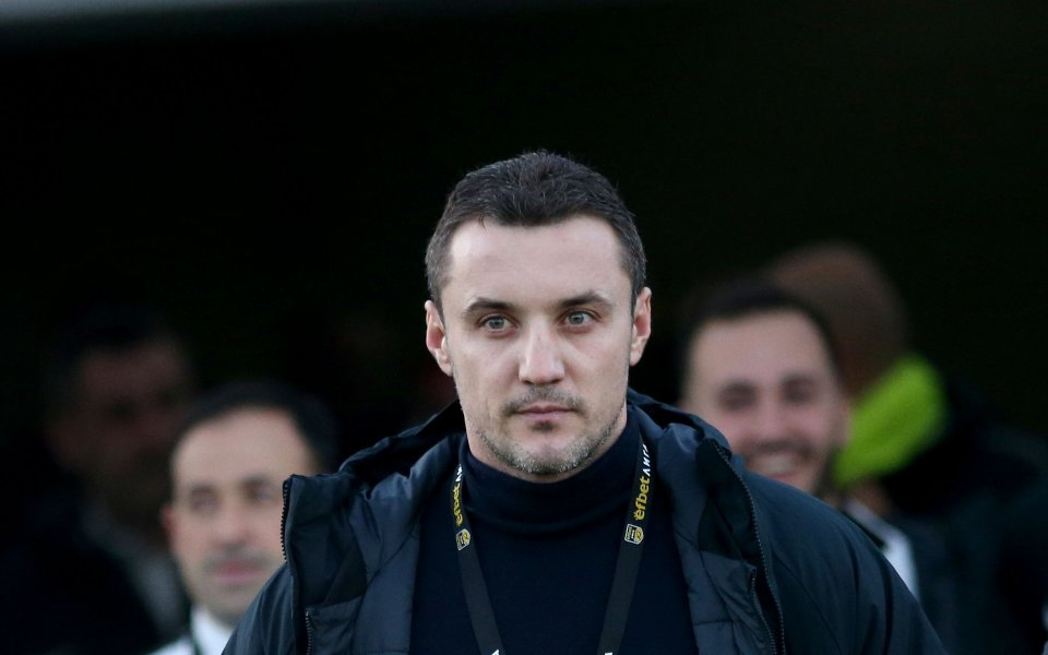 Наставникът на Лудогорец Станислав Генчев призна, че петте точки аванс