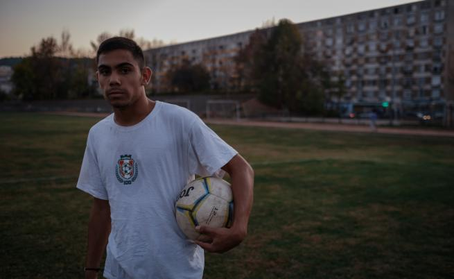 Радо: момчето, което диша футбол
