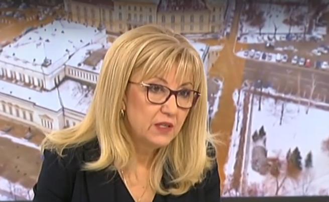 Министър Аврамова за Перник: Няма отворени кранове