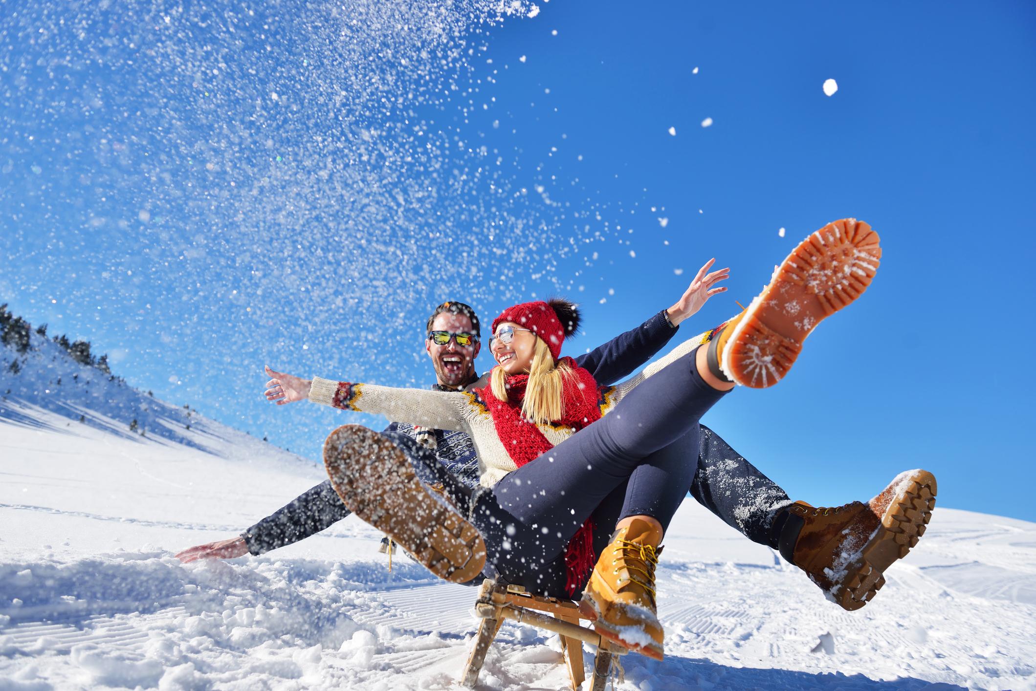 <p>Скорпион</p>  <p>Отидете да се пързаляте с шейни заедно &ndash; или ако и двамата сте атлетични, отидете на ски или сноуборд.</p>