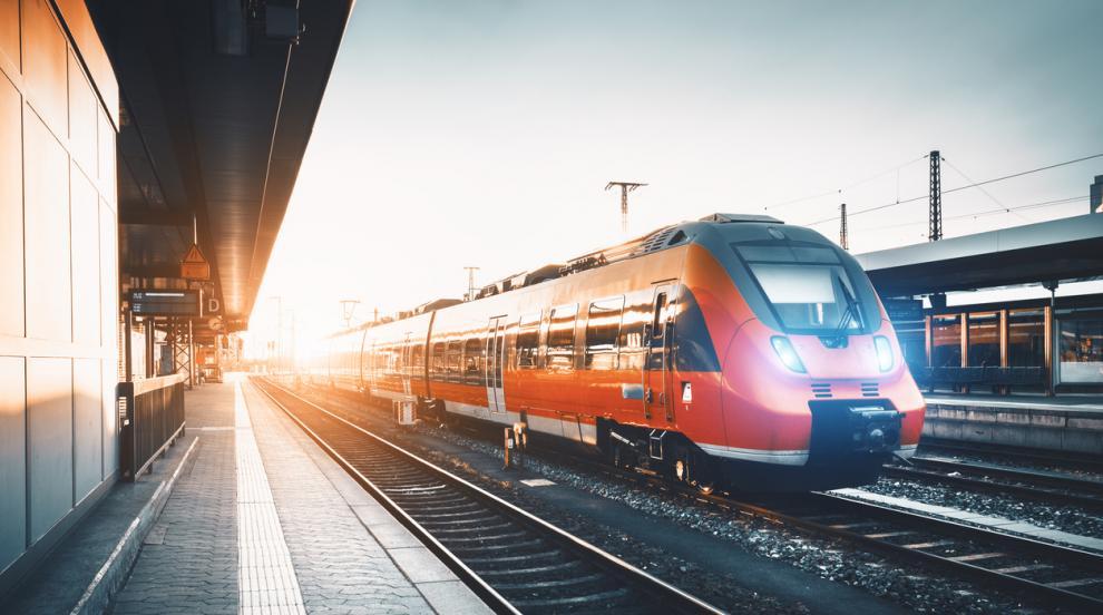 15-годишно момче се самоуби, хвърляйки се под влак в...