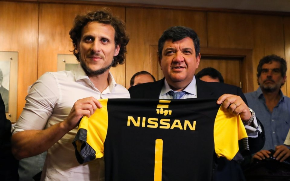 Уволниха бивша звезда на Манчестър Юнайтед в Уругвай