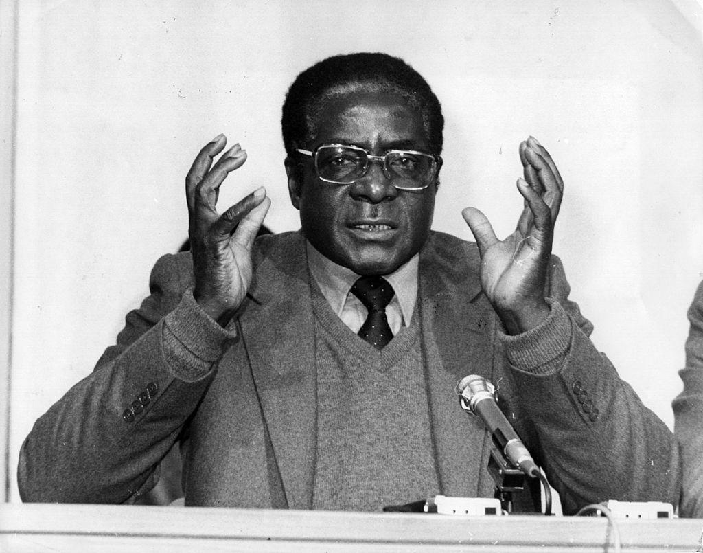 <p><strong>Робърт Мугабе</strong></p>  <p>На 6 септември 2019 г. почина вторият президент на Зимбабве - Робърт Мугабе. Мугабе управлява страната цели 30 г. - от 1987 г. до 2017 г.&nbsp;</p>