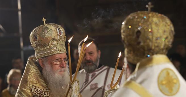 Патриарх Неофит отбеляза днес своя имен ден с архиерейска Света